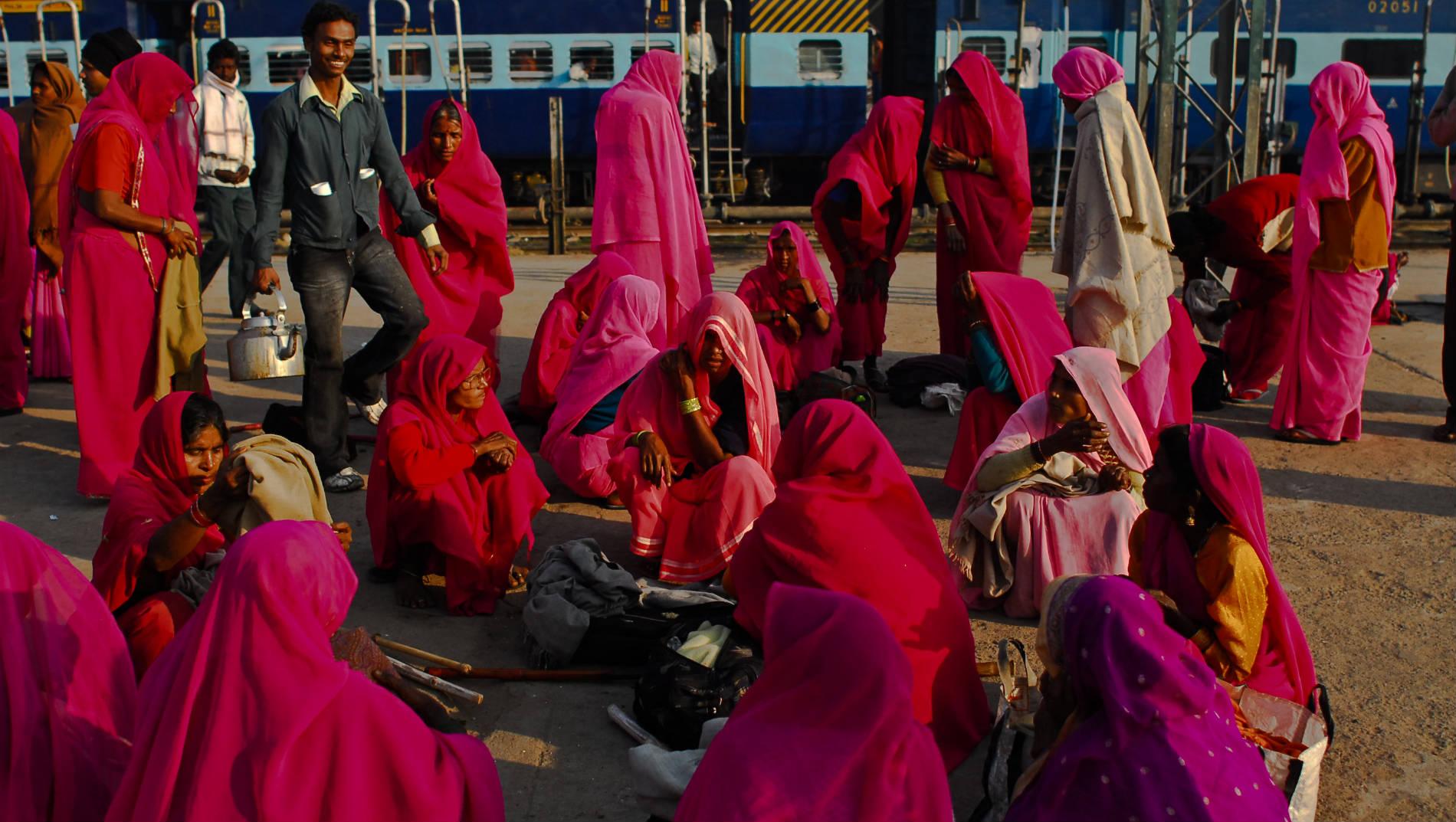 Gulabi Gang Blindboys.org Blog Post February 18, 2009