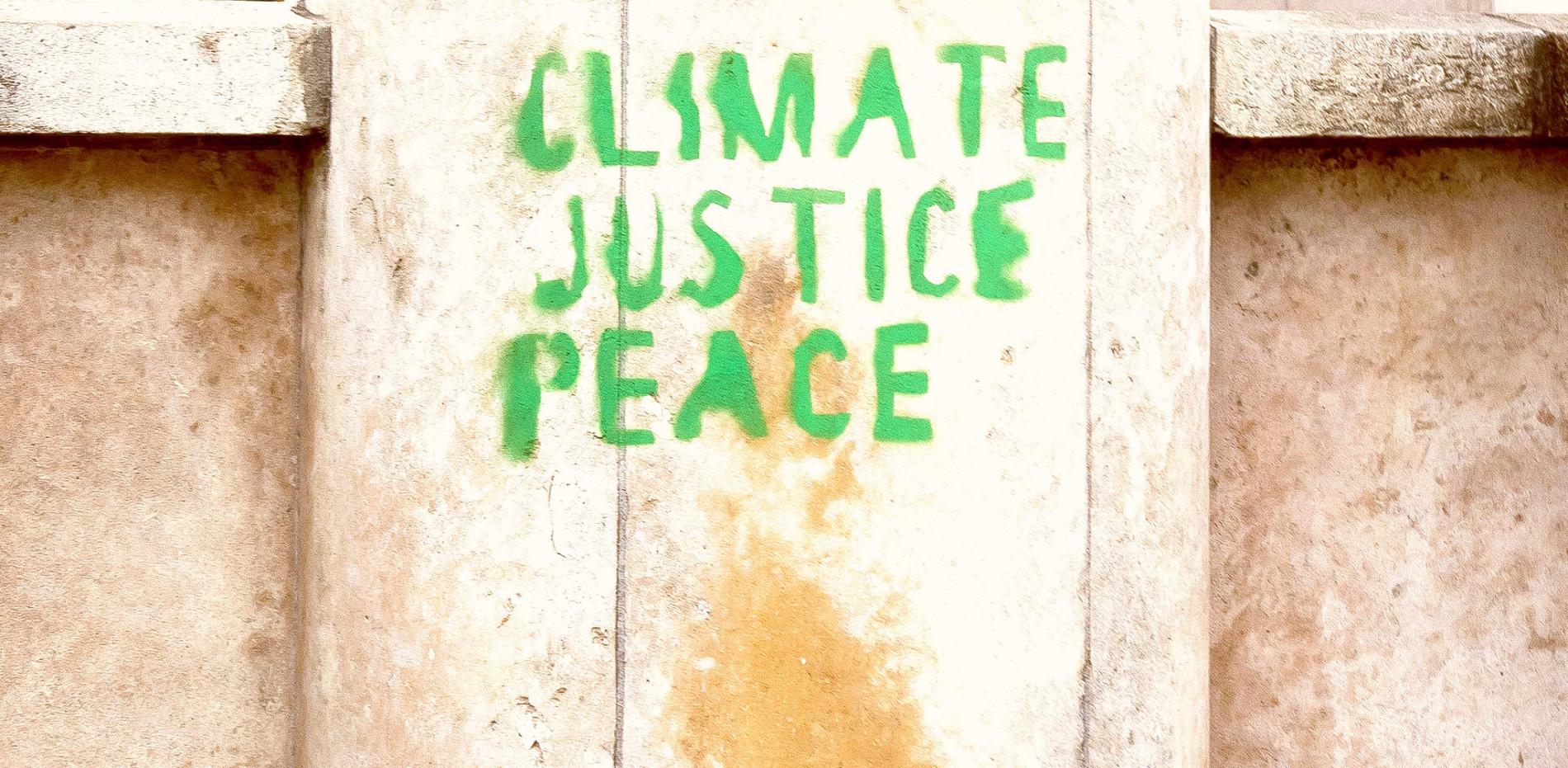 COP21 Paris Trocadero by Julien B.
